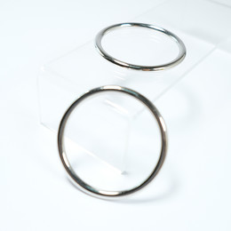 - Metal ring - Big sized