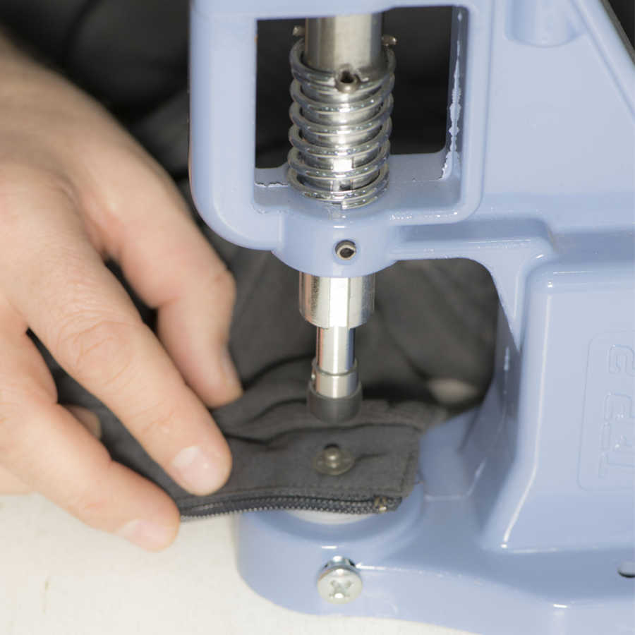 Snap fastener attachment tools for simple hand press and press machines